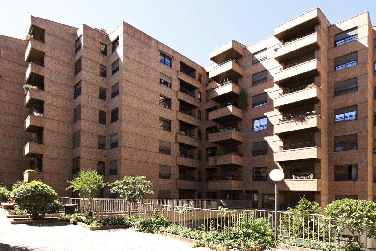 Edificio triunfo jard n inmobiliaria puerta elvira for Triunfo jardin granada